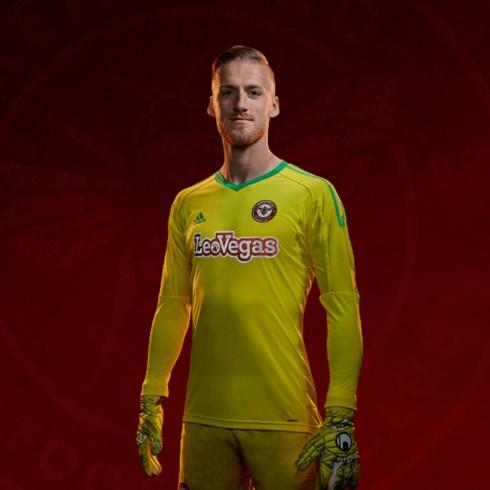 17 18 Brentford Goalkeeper Shirt 38cc69ae9